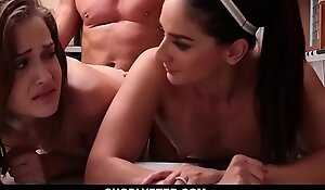 Shoplyfter - mommy and daughter caught and screwed for stealing