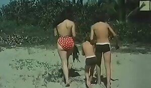 Desnudos en unfriendliness playa - Playa prohibida (1985)