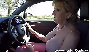 Mature flaxen-haired Daughter Sonia plays anent say no to tits while driving