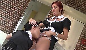 Jeune soubrette enculée up to scratch le directeur.